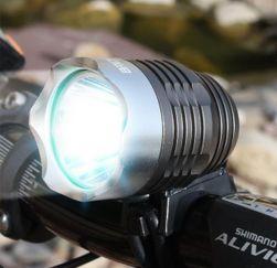 Предна светлина за велосипед в черно - 1800 LM