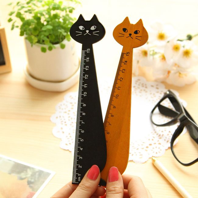 Dřevěné pravítko ve tvaru kočičky 1