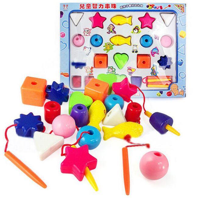 Navlékání kostiček - vzdělávací hračka 1