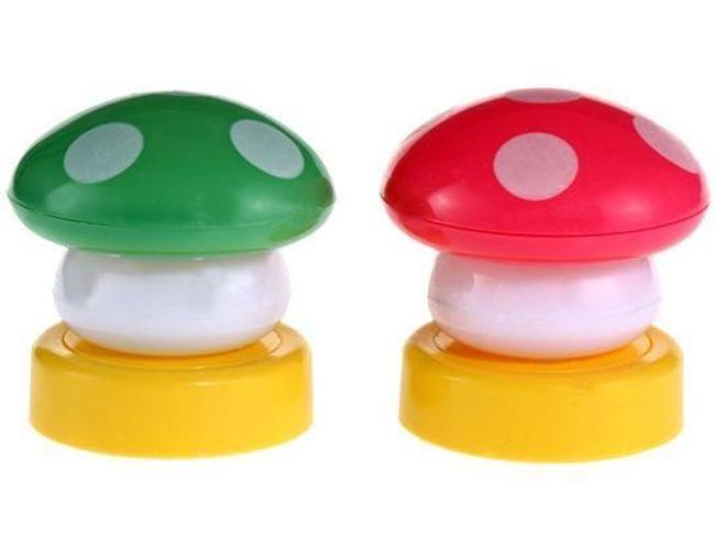 Lampička svítící houbička 1