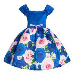 Princeznovské áčkové šaty