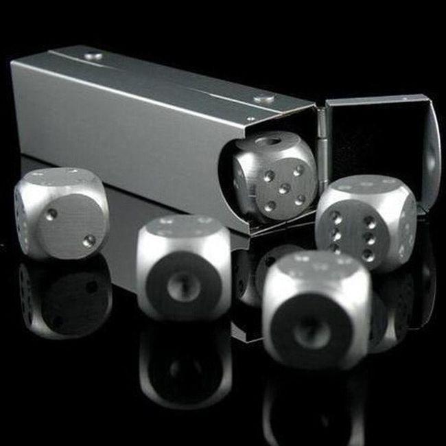 Kovové kostky s krabičkou 1