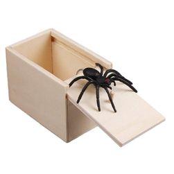 Žertovná hračka s pavoukem Ž11