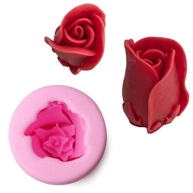 Silikonová formička ve tvaru růže 1