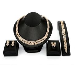 Ожерелье с серьгами и кольцом NN58