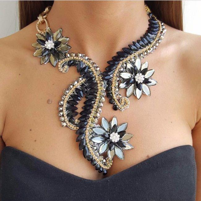 Dámský náhrdelník B04700 1