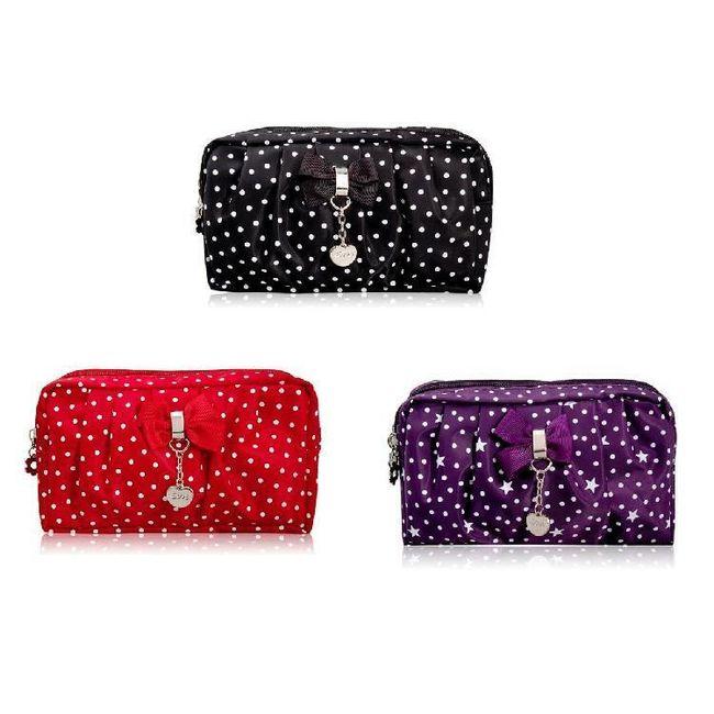 Dámská kabelka s bílými puntíky ve 3 barevných provedeních 1