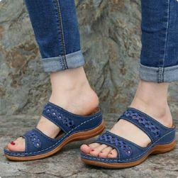 Dámské pantofle na klínku Emyna