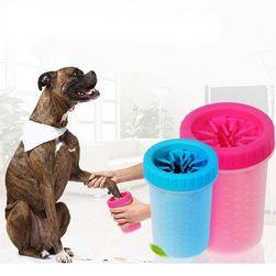 Четка за почистване на кучешки лапи