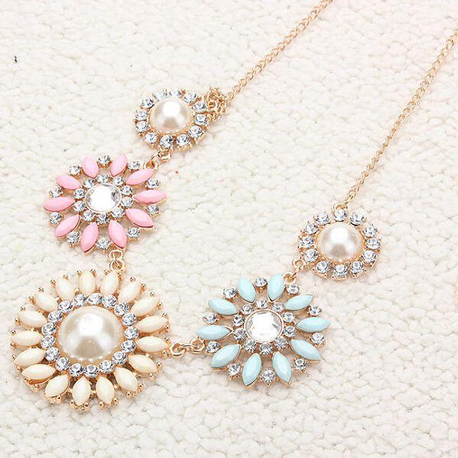 Náhrdelník s perlami a kamínky 1