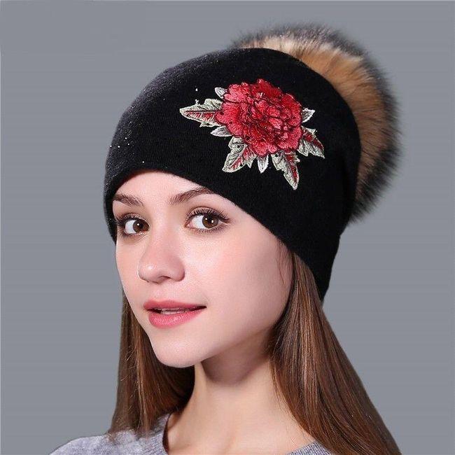 Damska zimowa czapka z pomponem DCB4578 1