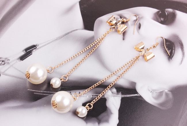 Dámské náušnice s mašličkou a visacími perličkami 1