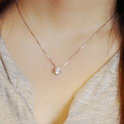 Jednostavan lanac sa kamenom srebrne boje