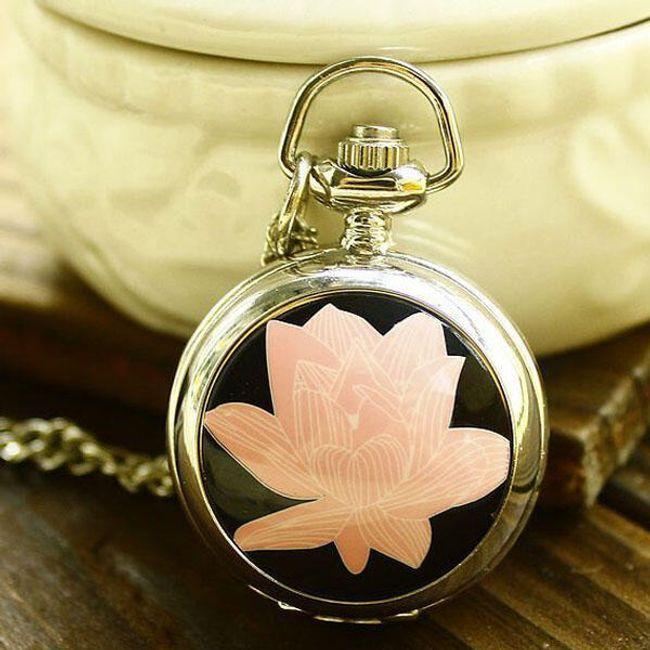 Zagarek na łańcuszku z kwiatem lotosu 1