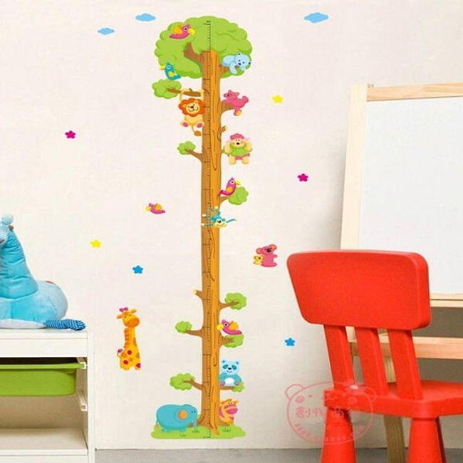 Детский  метр - наклейка на стену, дерево с животными 1