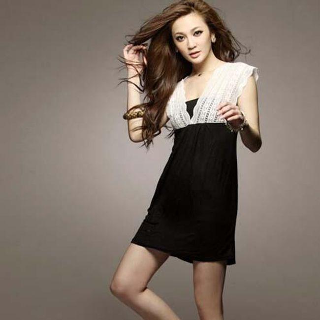 Černé šaty s bílou krajkou 1