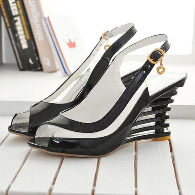 Dámské sandály na klínku Sharona 1