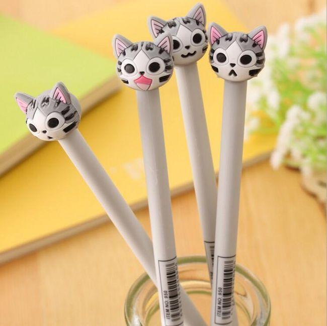 Pero ve tvaru kočky 1