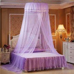 Egyszínű  baldachin  szúnyogháló  az ágy fölé