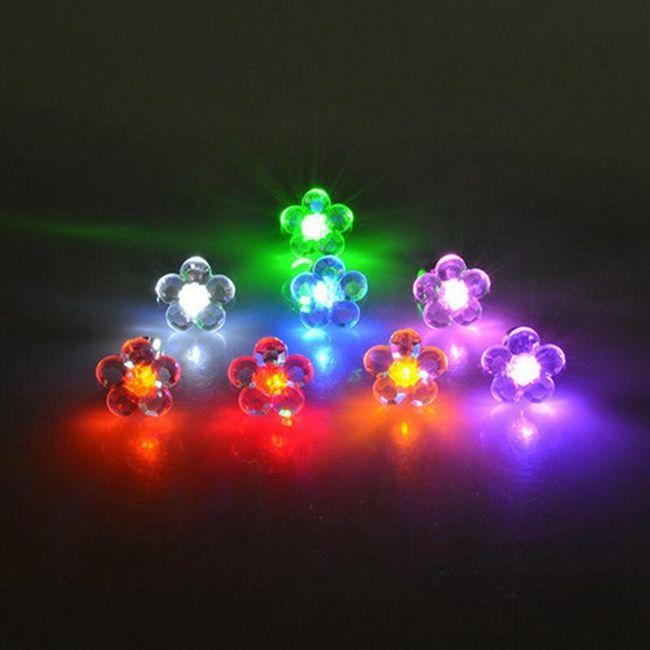 Svítící LED náušnice ve tvaru květiny 1