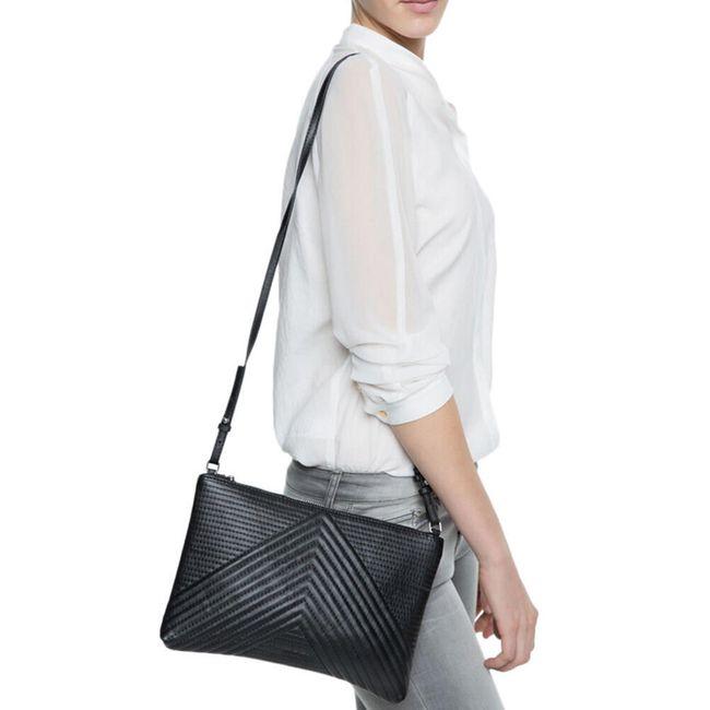 Crossbody kabelka v černé barvě 1