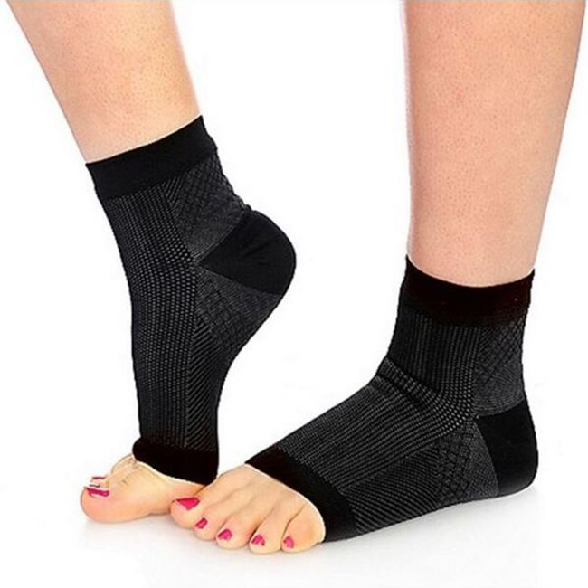 Kompresijska nogavice v črni barvi 1