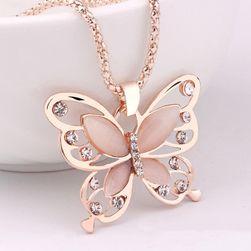 Elegantný náhrdelník s motívom motýlika