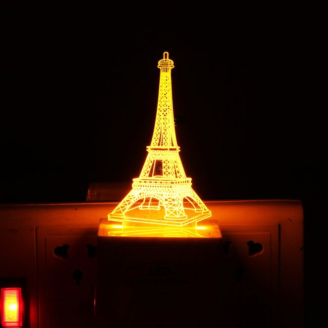 3D LED světýlko v podobě Eiffelovy věže 1