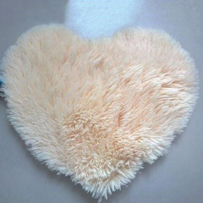 Tepih u obliku srca - 8 varijanti 1