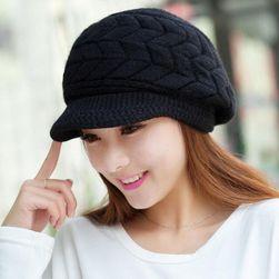 Čepice s kšiltem - černá