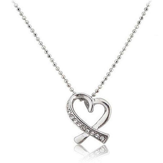 Naszyjnik z wisiorkiem w kształcie serca 1