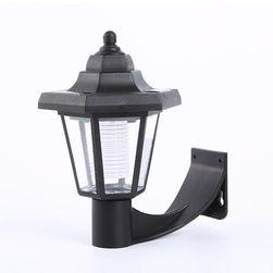 Lampa w stylu retro zasilana energią słoneczną