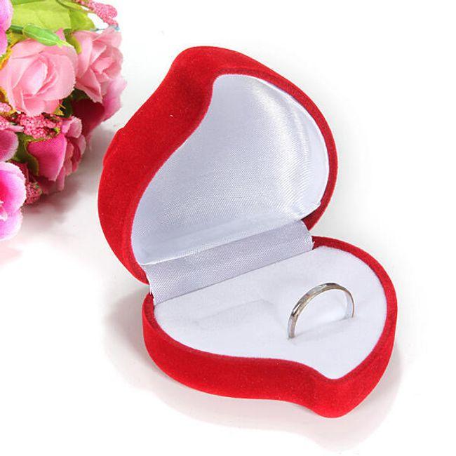 Pudełeczko na pierścionki w kształcie czerwonego serca 1