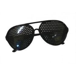 Okulary z otworkami do trenowania wzroku