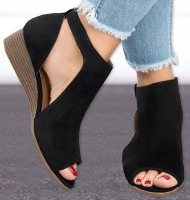 Bayan platformlu sandalet Jennys 1