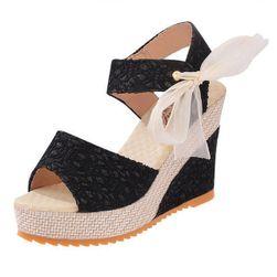 Dámské boty na klínku Esmery
