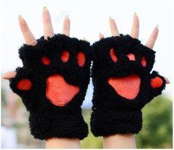 Bezprsté rukavice v podobe mačacích labiek - čierna