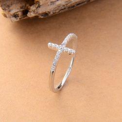 Фин пръстен в дизайн на кръст