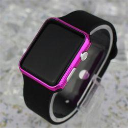 Ceas LED 4 culori - digital Roz