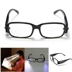 LED aydınlatmalı okuma gözlüğü