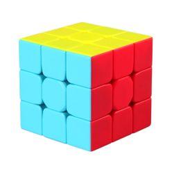 Кубът на Рубик в живи цветове
