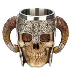 Kubek - czaszka z zakręconymi rogami
