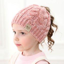 Детска шапка JN75