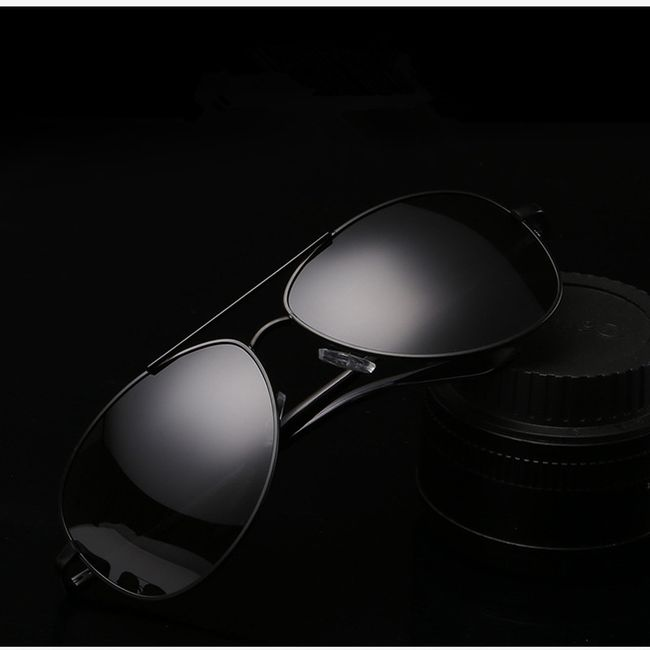 Polarizované sluneční brýle v černé barvě 1