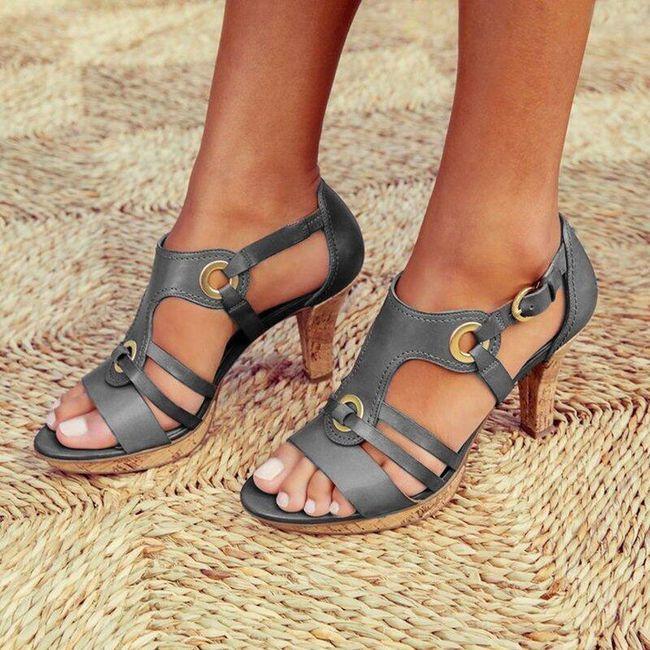 Dámské boty na podpatku DB4 1