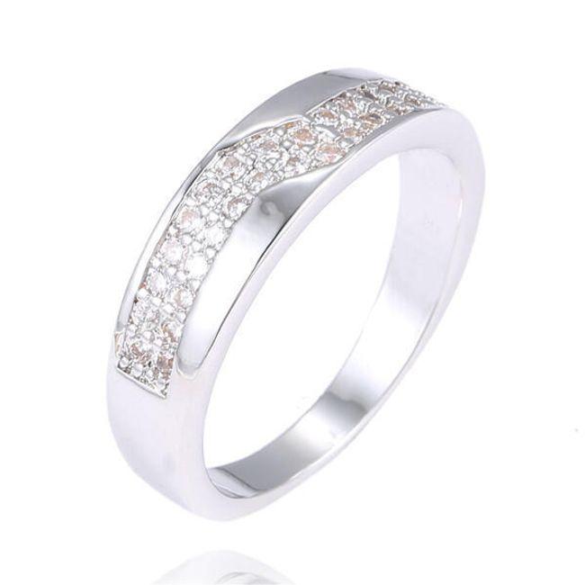 Bohatě kamínky zdobený prsten 1