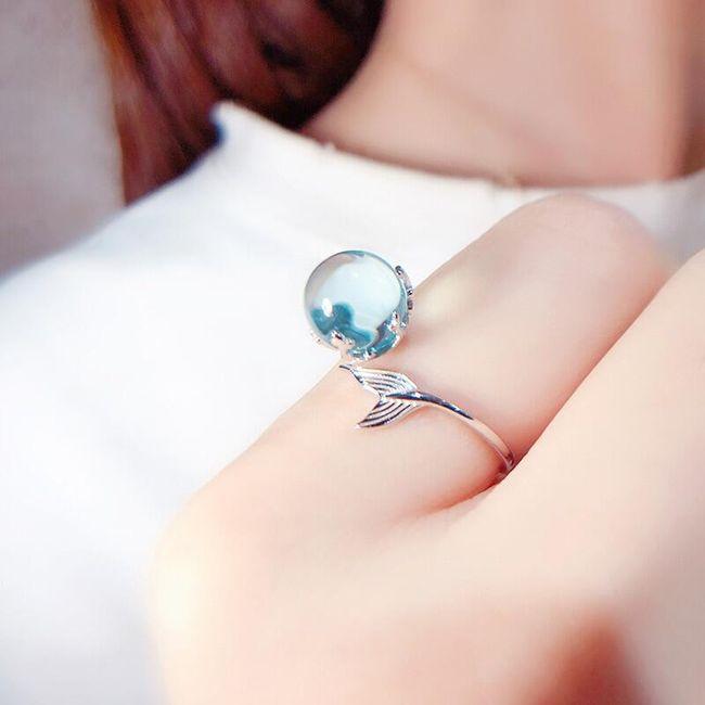 Damski pierścionek Aqua 1