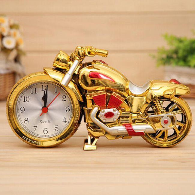Budík v designu motorky - zlatá s červenými prvky 1