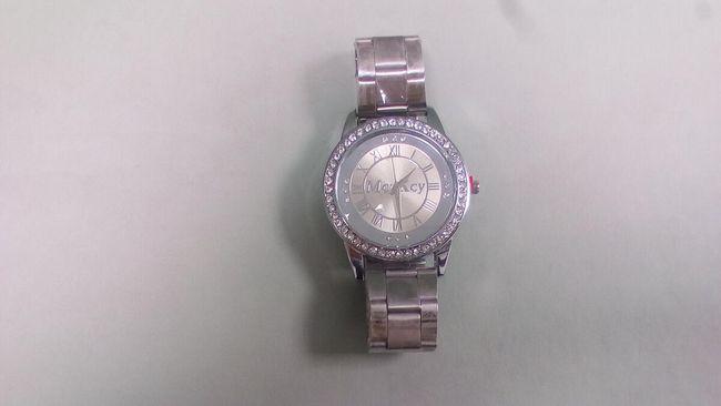 Zapestna ura unisex, okrašena z cirkoni - srebrne barve 1