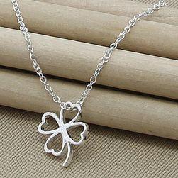 Ogrlica sa priveskom u obliku deteline